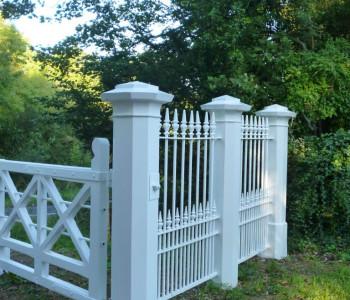 Monken Hadley gates C